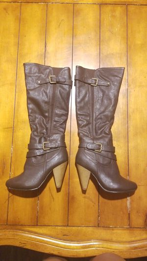 New size 5.5 women's knee high dark brown boots fashion fall winter heels by wild diva for Sale in Gilbert, AZ