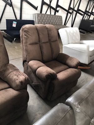 Recliner Chair for Sale in Dallas, TX