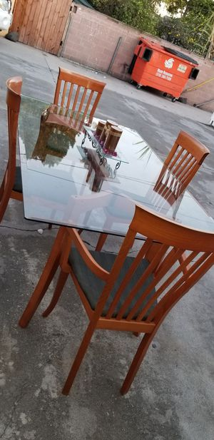 🍍🍇Comedor for Sale in Paramount, CA