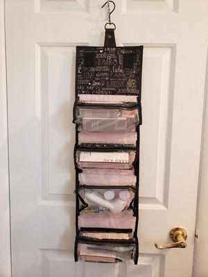 Mary kay- Roll up bag with prodructs/ Rollo con todo. for Sale in Las Vegas, NV