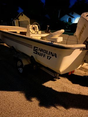 1991 Carolina skiff for sale BOAT AND TRAILER ONLY MOTOR DOESNT RUN for Sale in Longwood, FL