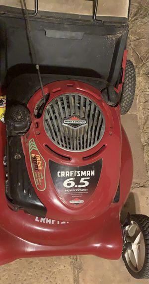 Craftsman 6.5 Lawn Mower w/Grass Bag for Sale in Phoenix, AZ