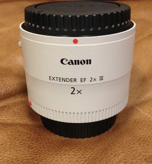 Canon extender EF 2X III LENS for Sale in Miami, FL