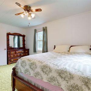 Queen Bedroom Set for Sale in Durham, NC