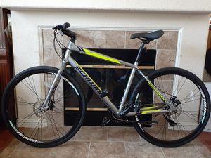 "Schwinn Men's Circuit 28"" Hybrid Bike . 21 speed for Sale in Sacramento, CA"