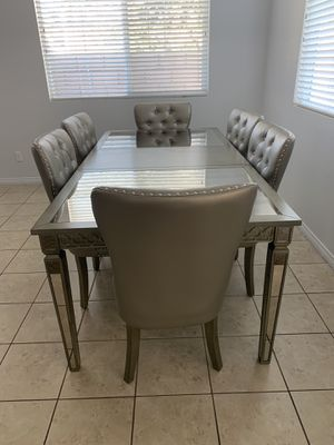 Dining table for 6 for Sale in Ontario, CA