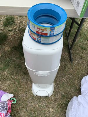 Diaper genie with refills for Sale in Port Orchard, WA