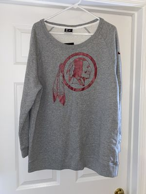 Nike Washington Redskins Women's Crewneck size L for Sale in Manassas, VA