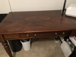 Home office desk for Sale in Mount Holly, NJ