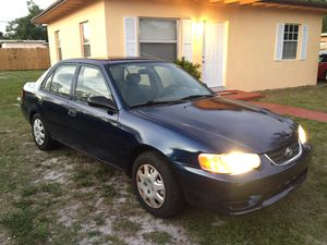 Toyota Corolla 2001 clean title for Sale in Miami, FL