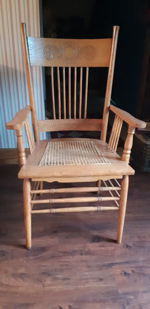 Antique Captains Chair for Sale in Hewitt, TX