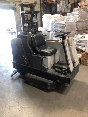 ADVANCE 3800 ELECTRIC FLOOR SWEEPER/SCRUBBER for Sale in San Diego, CA