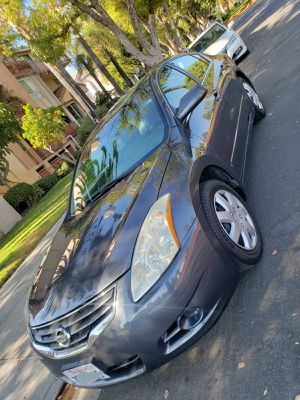 2011 - nissan - altima for Sale in Los Angeles, CA