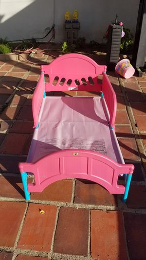 Hello Kitty Toddler Bed for Sale in Bakersfield, CA