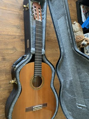 Yamaha CG 111C classical guitar with hard case for Sale in Salt Lake City, UT