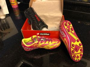 Girls Soccer Shoes and shin guards for Sale in Houston, TX