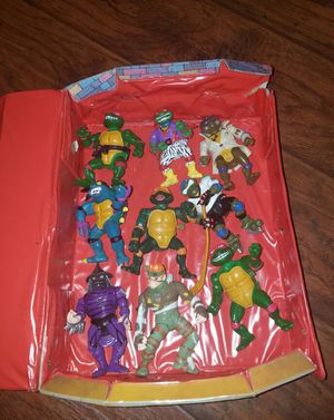 1980s TMNT 9 ACTION FIGURES WITH COLLECTORS CASE for Sale in Las Vegas, NV