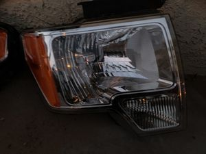 2014 f-150 headlight right side for Sale in North Las Vegas, NV