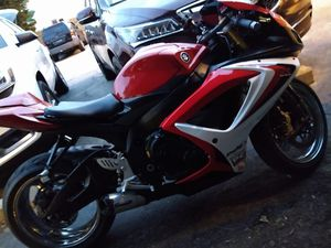 06 Suzuki gsxr 750!! Many extras no room for it title in hand $5300 o.b.o. for Sale in North Providence, RI