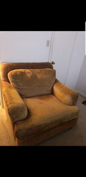 Chair for Sale in Virginia Beach, VA