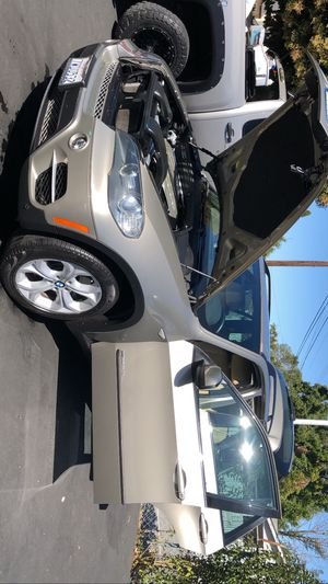 Asemos limpieza de interior de carros y lavado y pulido a domicilio para las personas interesadas pueden contactar para más información for Sale in Hayward, CA