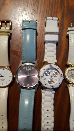 Gorgeous watches Kate Spade, Invicta, Dooney & Bourke. Best offer!! for Sale in New York, NY