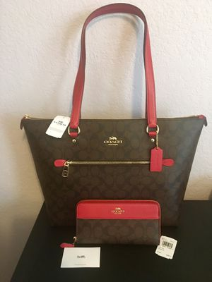 Coach Large Handbag With Matching Wallet for Sale in Dallas, TX