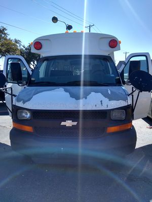 2003 CHEVY EXPRESS: STYLE/ BODY- MOTORIZED CUTAWAY for Sale in Arlington, TX