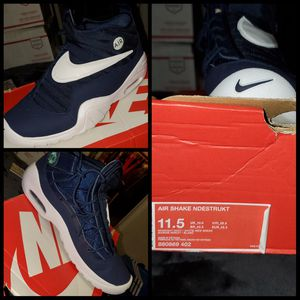 Nike shoes Size 11.5 Men for Sale in Mather, CA