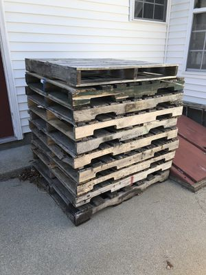 Free Wood Pallets for Sale in North Smithfield, RI
