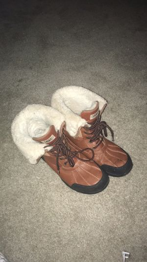 Ugg boots 10 1/2 good condition for Sale in Oxon Hill, MD
