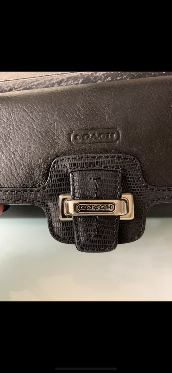 Women's Coach Wallet, comes with Coach purse already listed. Showing photos of wallet