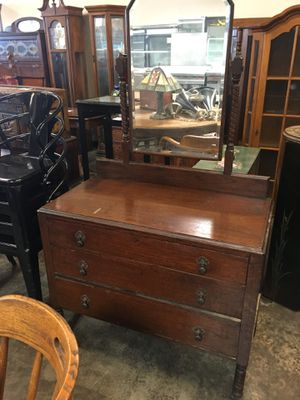 Antique Dresser and Makeup Mirror for Sale in Long Beach, CA