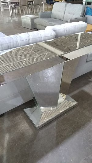 Super sweet all Glass console table for Sale in Dallas, TX
