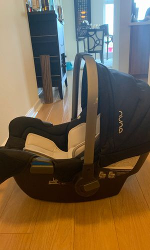 Nuna Pipa car seat with base for Sale in San Diego, CA