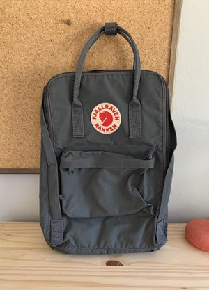 "FJÄLLRÄVEN KÅNKEN 15"" Padded Laptop Backpack for Sale in West Covina, CA"
