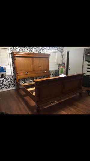 King Size Bed Frame for Sale in Port Arthur, TX