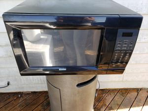 Free Microwave for Sale in Tacoma, WA