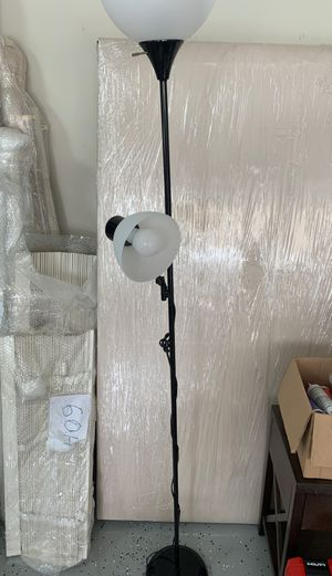 Floor lamp (incloded led bulbs) for Sale in Murphy, TX