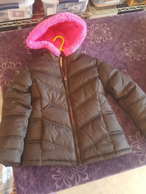 Girls winter coat size 5/6 for Sale in Orcutt, CA