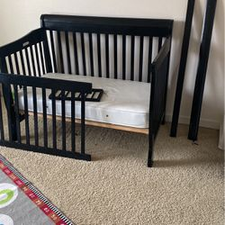 Full Size Crib/bed. for Sale in Happy Valley,  OR