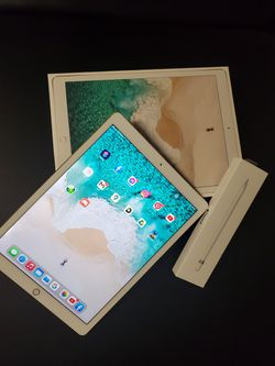 ipad pro (12.9-inch) (2nd generation) wi-fi + cellular 256gb With Apple Pencil 1st for Sale in Tacoma,  WA