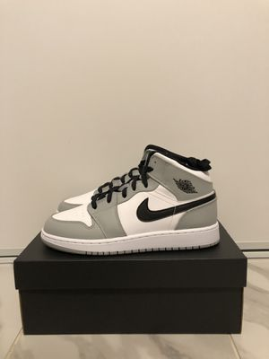 Jordan 1 Mid Light Grey GS Size 7Y for Sale in East Los Angeles, CA