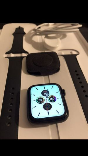 Apple Watch Series 5 44MM for Sale in Dallas, TX