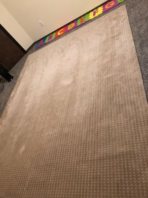 8x10 rug. Nice condition for Sale in Wichita, KS
