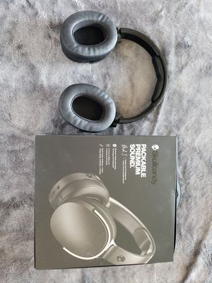 Skully candy Hesh 3 bluetooth wireless headphones. New for Sale in Tucson, AZ
