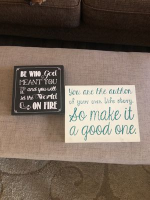 Small wall plaques or for shelves for Sale in Rancho Cucamonga, CA