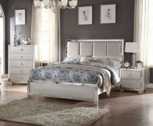 King size bedroom set for Sale in Lancaster, CA