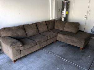 Great condition super comfy brown/gray sectional couch for Sale in Mesa, AZ