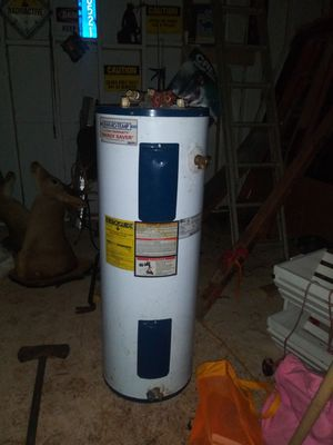 30 gallon water heater for Sale in Charlotte, NC